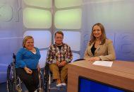 """Zu Gast: Ehepaar Iris und Volker Westermann, haben die """"Glasknochenkrankheit"""" und sitzen seit ihrer Kindheit im Rollstuhl"""