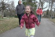 Pia - Adoptivkind mit Downsyndrom