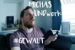 Michas Mundwerk: Bild zeigt Micha Kunze auf dem Sofa sitzend