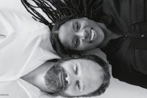 Rassismus: Das Bild zeigt Judy Bailey, die ihre Wurzeln in Barbasos hat und Patrick Depuhl, der Deutscher ist, auf einem Foto in schwarz-weiss